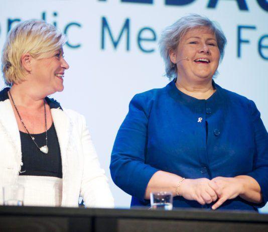 Siv Jensen og Erna Solberg på Nordiske Mediedager 2013. (Foto: Eirik Helland Urke, flickr.com)