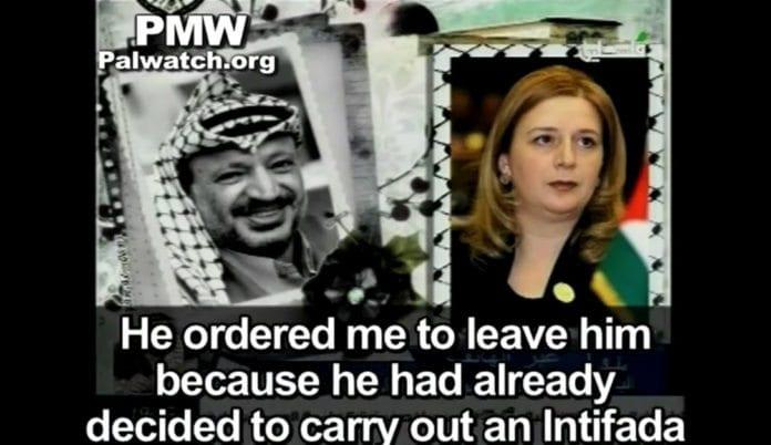 Suha Arafat forteller at Yasser Arafat planla intifadaen. (PA TV)