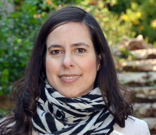 Karin Abraham, journalist og forfatter.