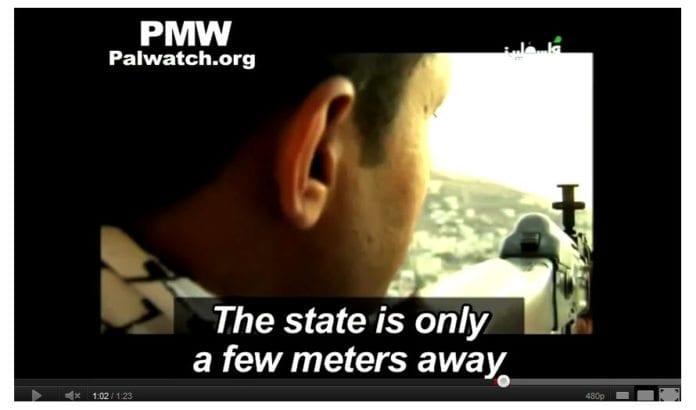 Fra musikkvideo på PA TV november 2011. (Skjermdump via PMW)