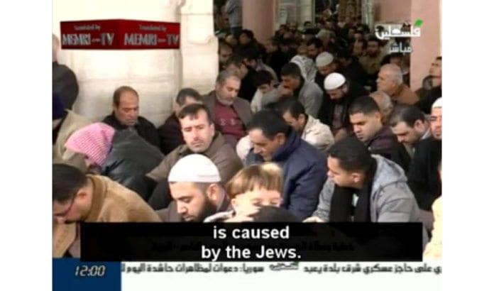 Fredagsbønn på PA TV: - Hver ondskap og katastrofe er forårsaket av jødene (Skjermdump fra PA TV)
