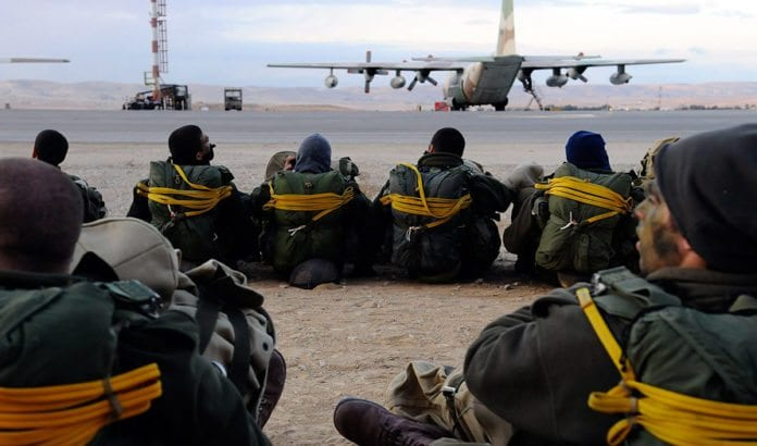 Fra fallskjermbrigadens storøvelse i januar 2012. (Foto: IDF)