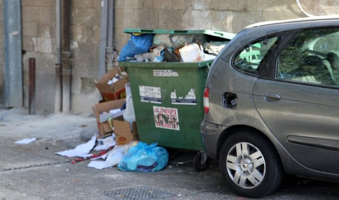 Søppel har hopet seg opp under streiken. (Illustrasjonsfoto: Conrad Myrland, MIFF)