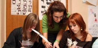 Undervisning i hebraisk på en ulpan. (Foto: Jewish Agency)