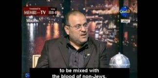 Osama Al-Mallouhi fra syrisk opposisjon drar fram gamle blødløgner mot jødene. (Skjermdump fra tv-stasjonen Al-Nas, via Memri)