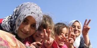 Skolebarn på Vestbredden spiser nå mat produsert på Gaza-stripen. (Foto: RafahKid, flickr.com)