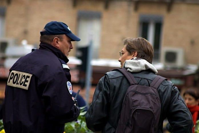 Politiet i Toulouse planlegger å storme huset til en person med forbindelser til Al-Qaida. (Illustrasjon: Latelelibre)