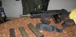 Ulovlige våpen konfiskert av IDF på Vestbredden. (Illustrasjonsfoto: IDF)