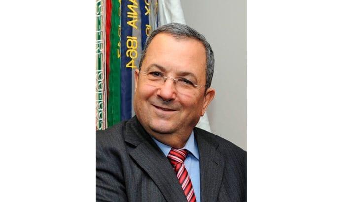 Ehud Barak mener år 2012 blir et avgjørende år når det gjelder atomtrusselen fra Iran. (Foto: Robert D. Ward, Pentagon)