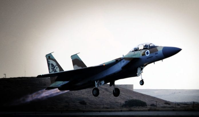 Et israelsk F-15 jagerfly tar av fra Hatzerim-basen i desember 2009. (Illustrasjonsfoto: IDF)