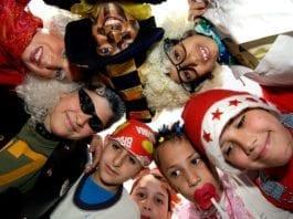 Barn har kledd seg ut til purimfesten. (Arkivfoto: GPO)