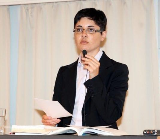 Sara Azmeh Rasmussen tok et oppgjør med sin antisemittiske fortid på MIFFs konferanse sommeren 2011. Se hele foredraget i bunn av artikkelen. (Foto: Conrad Myrland, MIFF)
