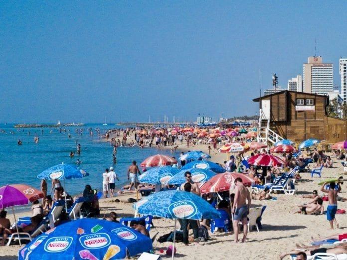 Nå blir det enklere for skandinavere å reise på badeferie til Tel Aviv. (foto:Dan Zelazo)