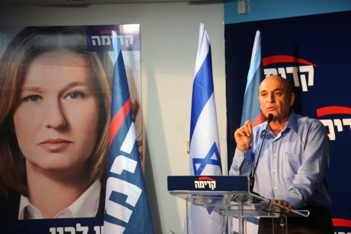Den ferske Kadima-lederen Shaul Mofaz ønsker ikke å inngå et samarbeid med den sittende regjeringen. (Foto: Tzipi Livni)