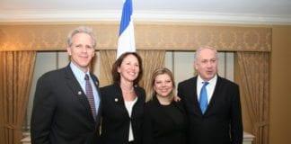 Michael Oren og hans kone (f.v.) under et statsbesøk fra Benjamin Netanyahu og hans kone i mars 2010. (Foto: Israels ambassade i USA)