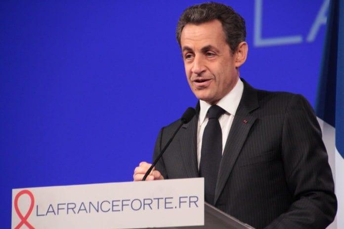 Nicolas Sarkozy har begynt å sende
