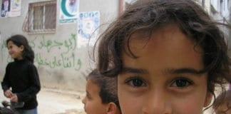 Etterkommere av palestinske flyktninger fra 1948, som barna på bildet, vil ikke lenger få flyktningstatus dersom Mark Kirks lovforslag får gjennomslag. (Foto: flickr.com)