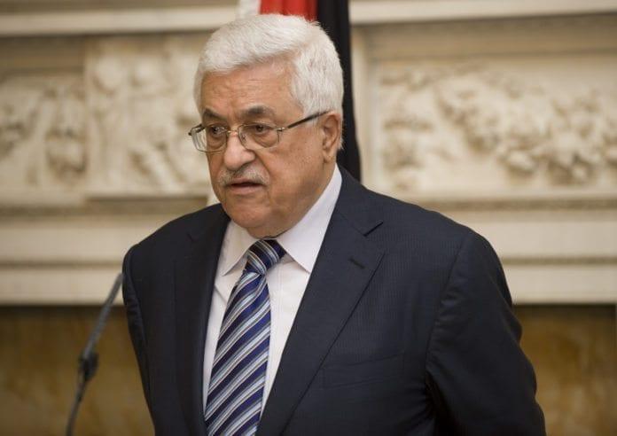PA-president Mahmoud Abbas arresterte en tidligere PA-ansatt, etter at han snakket offentlig om Abbas' personlige formue. (Foto: Det britiske regjeringskontoret)