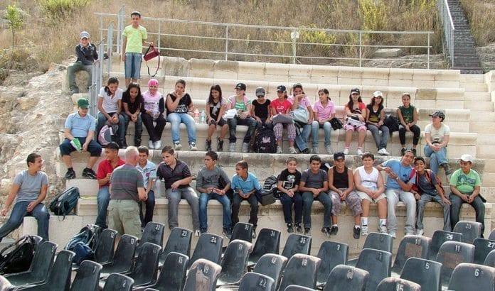 En arabisk skoleklasse på utflukt til en arkeologipark i Galilea. (Illustrasjonsfoto: Conrad Myrland, MIFF)