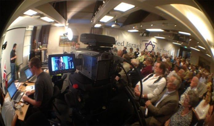Et stort antall MIFF-medlemmer fra hele landet pluss lokale Israel-venner fra Nord-Jæren kom for å høre Cecilie Hellestveit i Thon Hotel Sandnes fredag 1. juni. (Foto: Atle Hansen, MIFF)