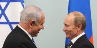 Benjamin Netanyahu og Vladimir Putin under et møte i 2011. (Arkivfoto: GPO)