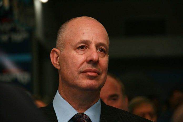 Kadimas Tzachi Hanegbi har de siste tre årene ledet et opprør mot partiet. Nå ser det ut til at han kan lykkes med sitt ønske om å gjenforenes med Likud. (Foto: Wikipedia)
