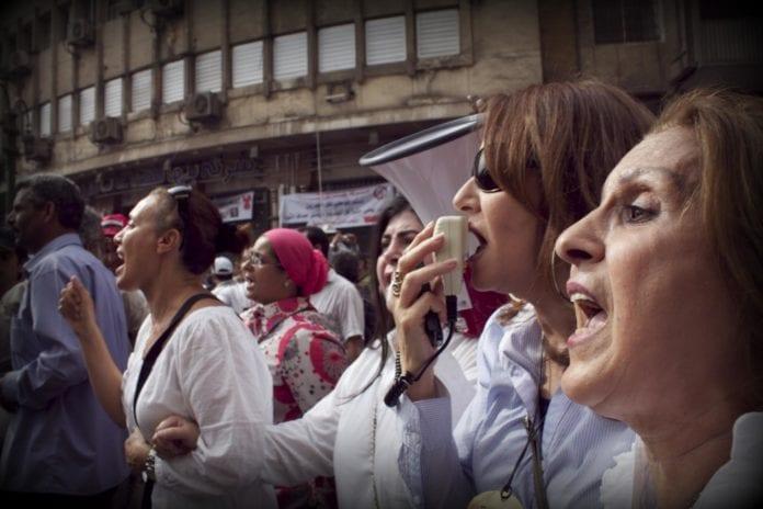 Fra en kvinnemarsj i april på Tahrir-plassen i Kairo. (Foto: Gigi Ibrahim)