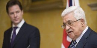 PA-president Mahmoud Abbas (t.h.) under en pressekonferanse. (Foto: Den britiske regjeringen)