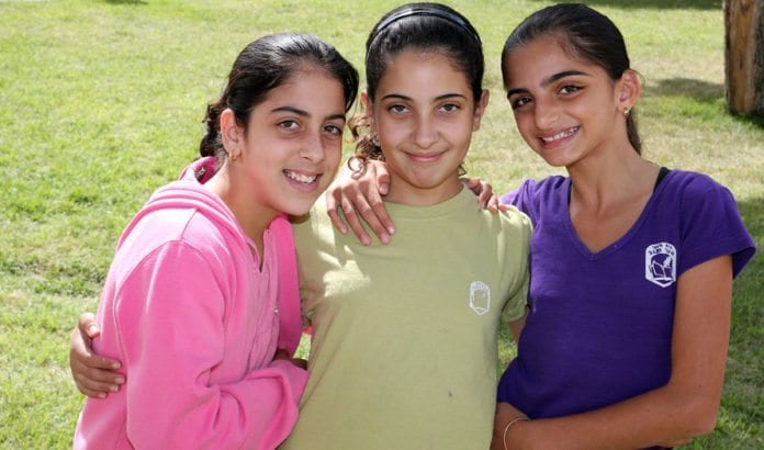 Skolejenter i Sderot. (Arkivfoto: Conrad Myrland, MIFF)
