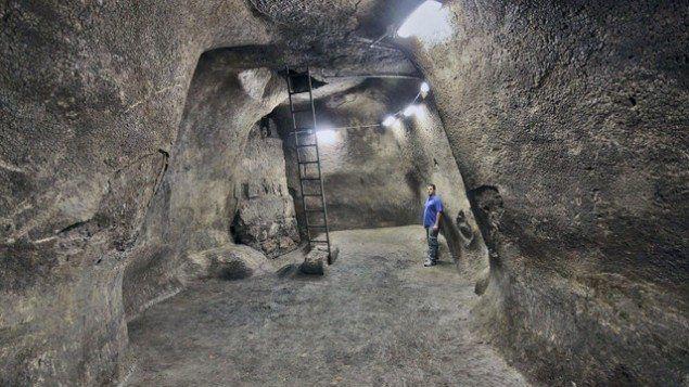 Den nye vannsisternen som er oppdaget på den vestlige siden av Tempelplassen i Jerusalem. (Foto: Vladimir Naykhin, IAA)