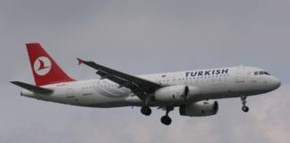 Et syrisk fly av denne typen, Airbus A320, ble stanset av tyrkiske myndigheter onsdag. (Foto: Dean Morley)