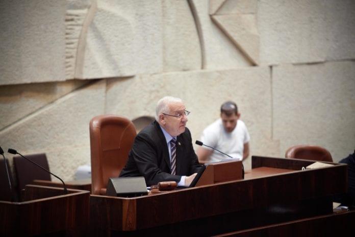 Knessets ordstyrer Reuven Rivlin oppløste det 18. Knesset mandag. (Foto: flickr.com)