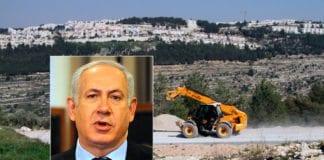 Bydelen Gilo ble etablert i 1973. Siden har den vokst til å huse omkring 40.000 innbyggere, de aller fleste jøder. Statsminister Benjamin Netanyahu (innfelt) lover å fortsette utbyggingen. (Foto: Ir Amim, flickr.com, Wikimedia Commons)