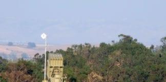 Nytt Iron Dome-batteri, det femte i rekken, blir for øyeblikket utplassert for å beskytte Tel Aviv fra Gaza-rakettene. (Foto: Natan Fleyer)