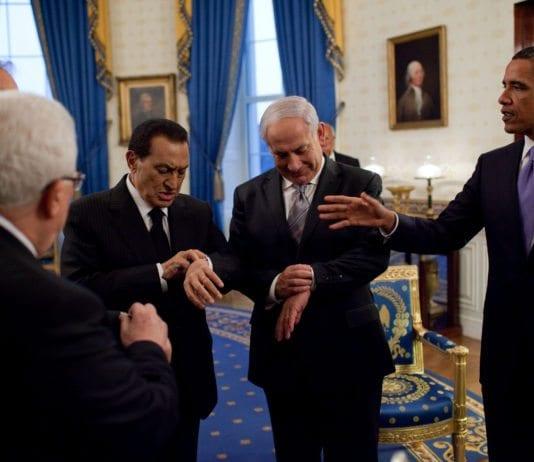 Fra fredssamtaler mellom Netanyahu og Abbas september 2010. Fra venstre: PA-president Mahmoud Abbas, Midtøsten-kvartettens utsending Tony Blair (bak Abbas), tidligere president i Egypt Hosni Mubarak, Israels statsminister Benjamin Netanyahu og USAs president Barack Obama. (Foto: Aslan Media)