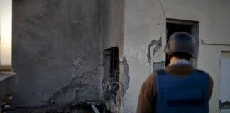 Et tak på en boligblokk i Ashdod rammet av en Hamas-rakett forrige uke. (Foto: IDF)