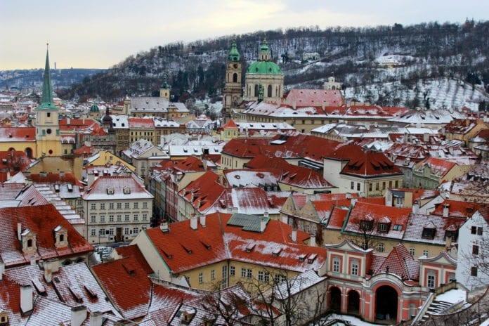 Oversikt over Tsjekkias hovedstad Praha (Foto: Stephanie Jones)