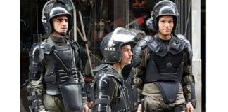 Opprørspoliti i Damaskus. (Illustrasjonsfoto: Elizabeth Arrott, Voice of America)