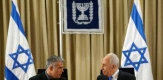 Yesh Atid-leder Yair Lapid (f.v.) og Israels president Shimon Peres (Foto: Yesh Atid)