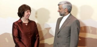 EUs utenriksminister Katherine Asthon (f.v.) og Irans atomforhandler Saeed Jalili. (Foto: EEAS, flickr.com)