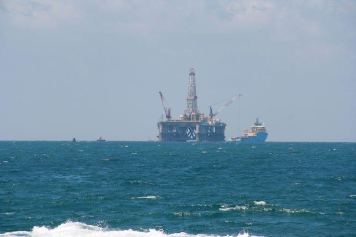 Borerigg på gassfeltet Tamar, utenfor kysten av Israel, i 2009. (Foto: Gil Eilam, flickr.com)