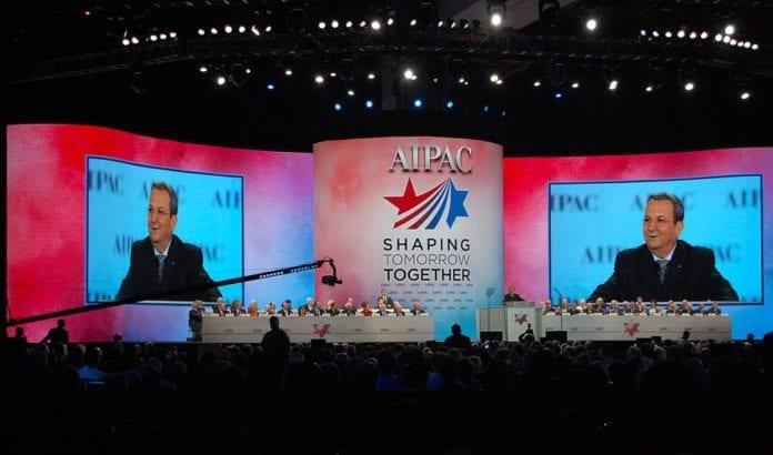 Forsvarsminister Ehud Barak taler til AIPAC-konferansen søndag. (Foto: Kenneth Rasmussen)