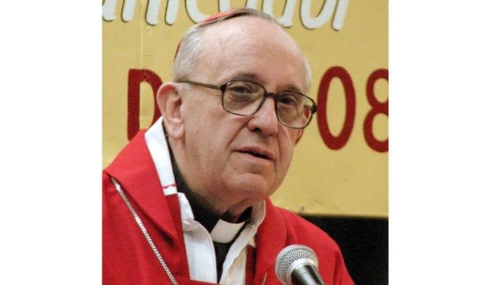 Pave Frans I da han ennå var kardinal Jorge Bergoglio i 2008. (Foto: Aibdescalzo, Wikimedia Commons)