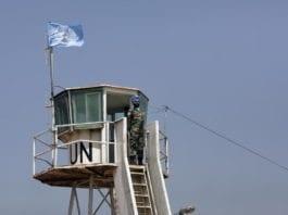 Et av UNIFILs observasjonstårn, like ved den demilitariserte sonen mellom Israel og Libanon. (Foto: UN Photo)