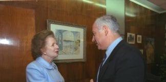Israels statsminister Benjamin Netanyahu da han fikk møte et av sine store politiske idoler, nå avdøde Margaret Thatcher. (Foto: GPO)