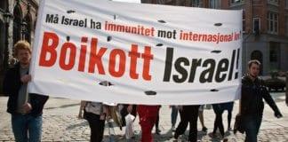 Boikott Israel-parole i 1. mai toget i Bergen 1. mai 2009. (Foto: Magne Hagesæter, flickr.com)