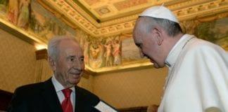 President Shimon Peres (f.v.) og pave Francis I (Foto: Shimon Peres שמעון פרס, Facebook.com)