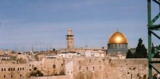 Vestmuren og Tempelplassen i Jerusalems gamleby. (Illustrasjon: David Holt, flickr.com)