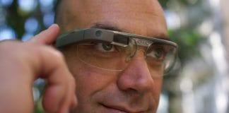 Slike briller, Google Glass, vil trolig flertallet av oss gå rundt med i framtiden. (Foto: Loic Le Meur, flickr.com)