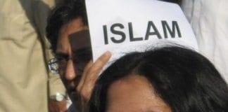Indiske muslimer protesterer mot terrorangrepet i Mumbai i november 2008. (Foto: Anuradha Sengupta, flickr.com)